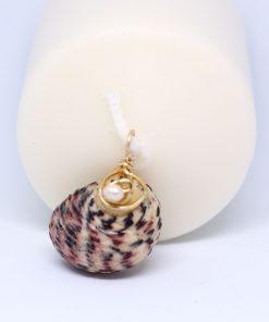 colgante caracola con perla